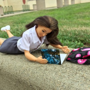 educatie vestimentara copii / papusa Lammily la școală